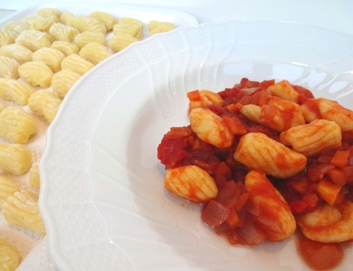 gnocchi di patate al sugo finto.jpg